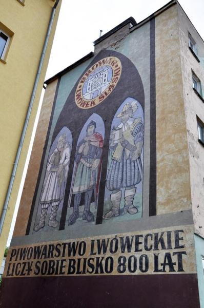 Malowidło autor M.Żołądź przy Placu Wolności foto. R. Zawadzki