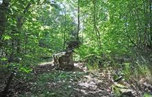 28 riuny obelisku, przed
